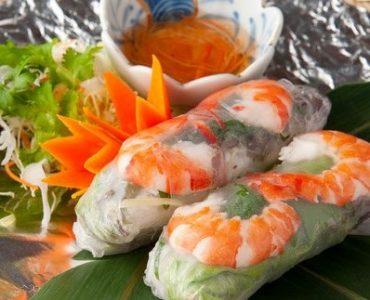 海老と豚肉の生春巻き 450円(税抜)
